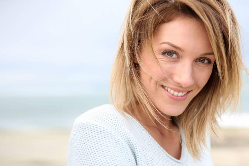 7939-o-implante-dentario-alem-de-devolver-a-slider_medias-1